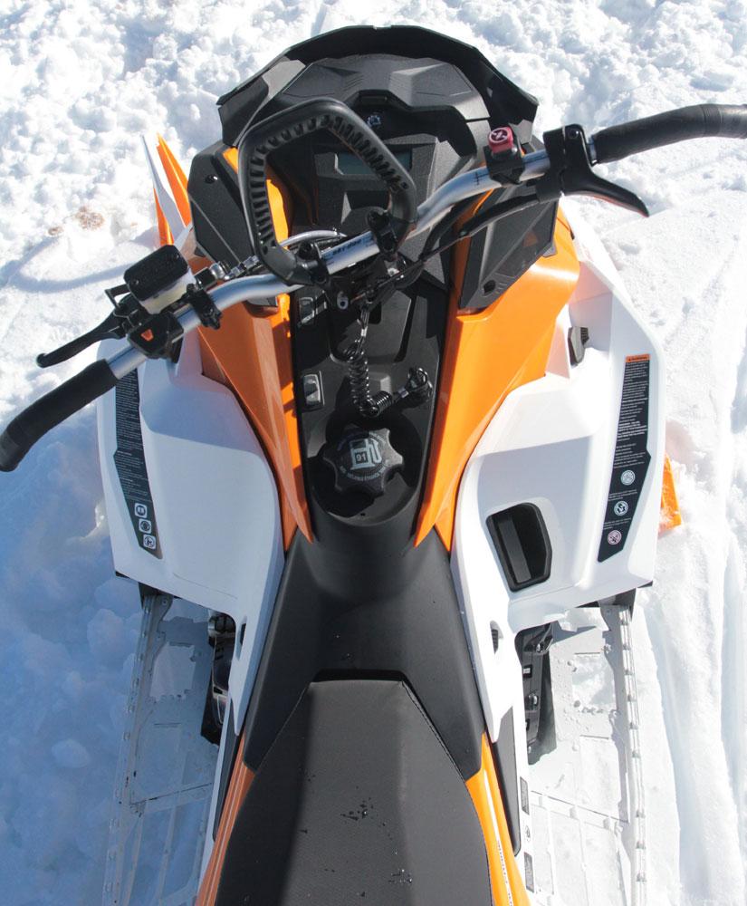 2017 brp ski doo summit x 165 850 e tec import moto. Black Bedroom Furniture Sets. Home Design Ideas